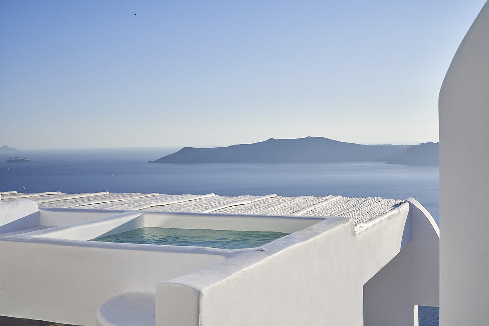 OMMA Santorini _ Infinity Suite with Cal