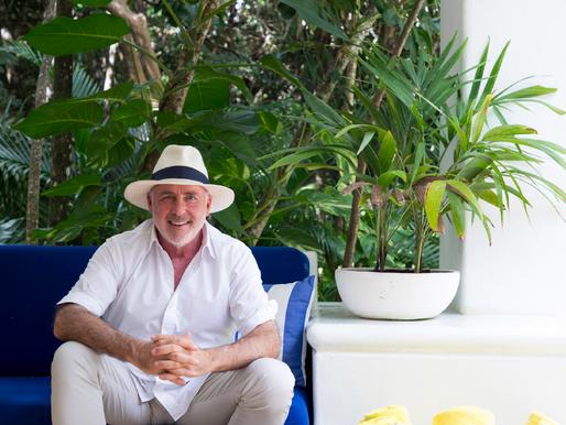 Weekend Reads-Kevin Wendle, Hotel Esencia
