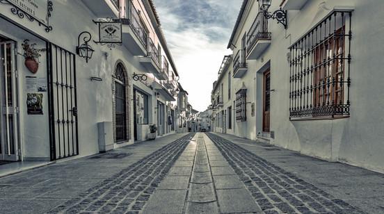 street-2419975_1920.jpg