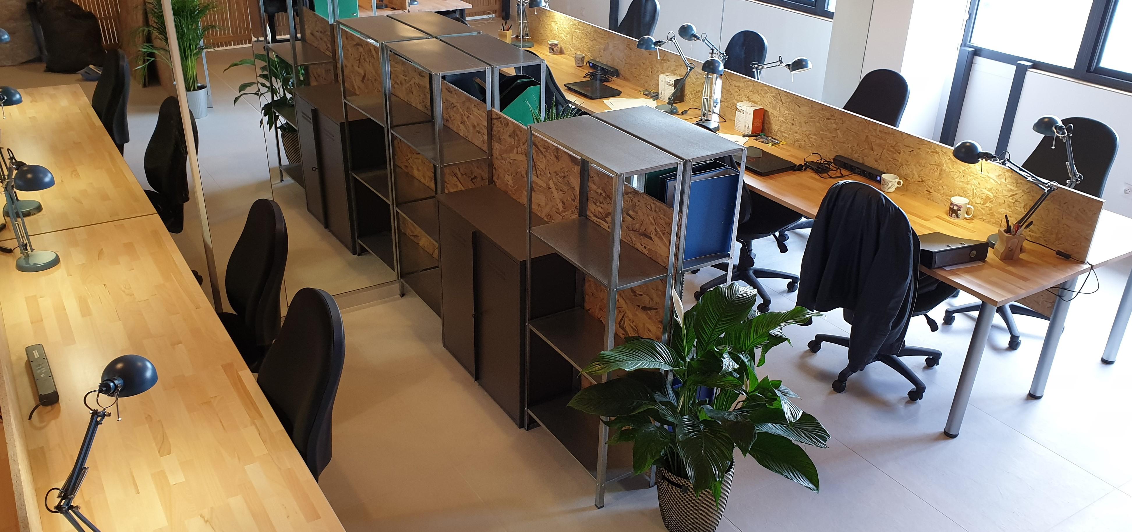 Bureaux personnels en espace partagé