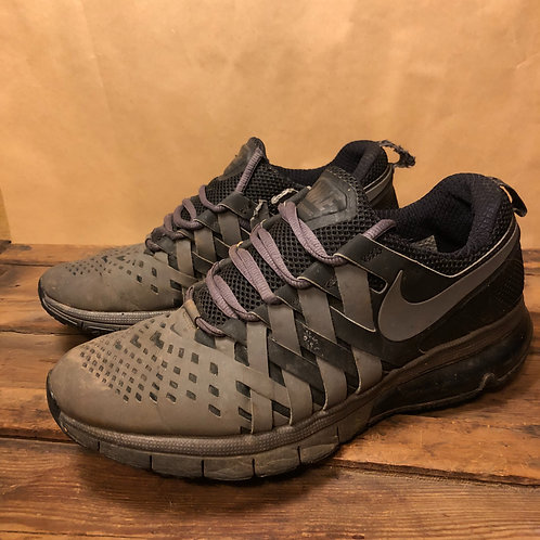 Nike Trainers Black/Grey   US10
