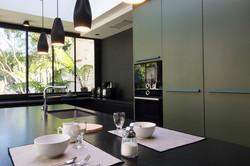 cuisine-verte-et-noire