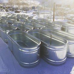 So many tubs!
