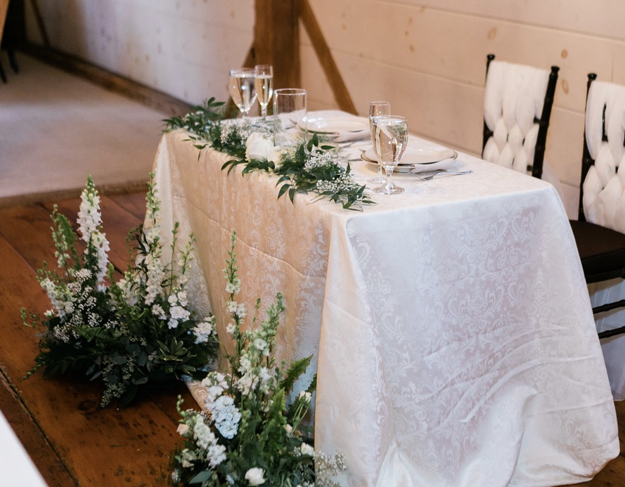 Damask Sweetheart Tablecloth