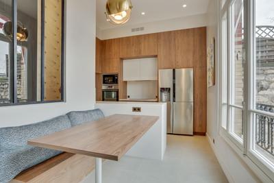Un espace repas dans la cuisine malma architecture