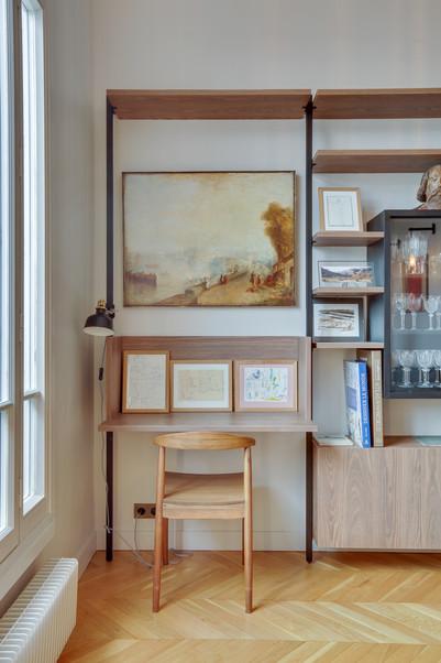 Un bureau dans le séjour malma architecture