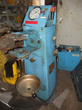 B&W 9L32/40 fuel valve test unit we have for sale ,B&W 9L32/40 fuel injector tester , B&
