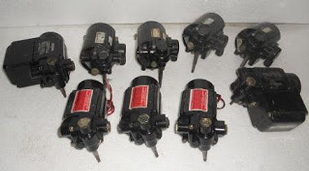 GROSCHOPP WOODWARD UG8 Governor motor WK 0920702 MOT KM 58-20 230V 2W MAX 0.14A 0-60 HZ 2700 MIN-1 [