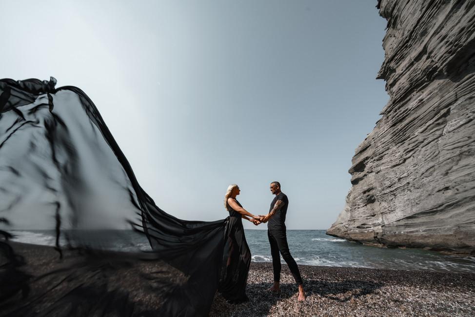 couple photoshoot beach