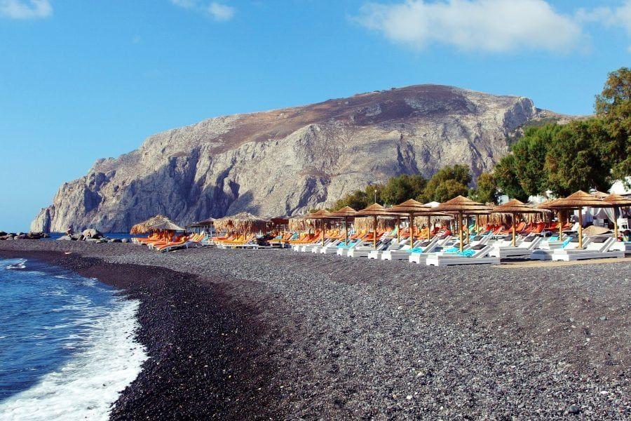 kamari santorini beach