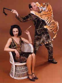Manuel Muerte, Zauberkünstler