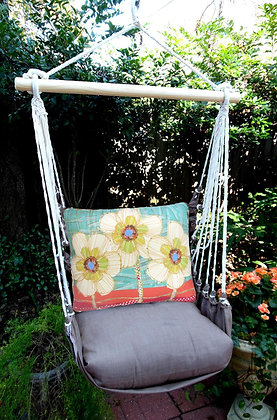 CH Swing Set w/ Daisies Pillow, CHRR602-SP
