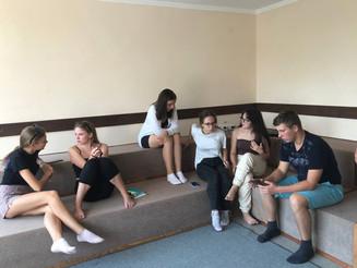 """Засідання ради Міського учнівського парламенту у таборі """"Лідер """"!"""