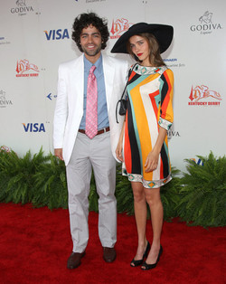 adrian-grenier-and-isabel-lucas-attend-the-134th-kentucky-derby-in-style-adrian-grenier-1223704_477_