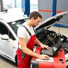 Automechaniker_KFZ_102903624_industriebl