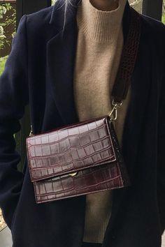 shoulder bag, women shoulder bag, purse, brown shoulder purse, brown purse, leather purse, brown leather purse, brown leather