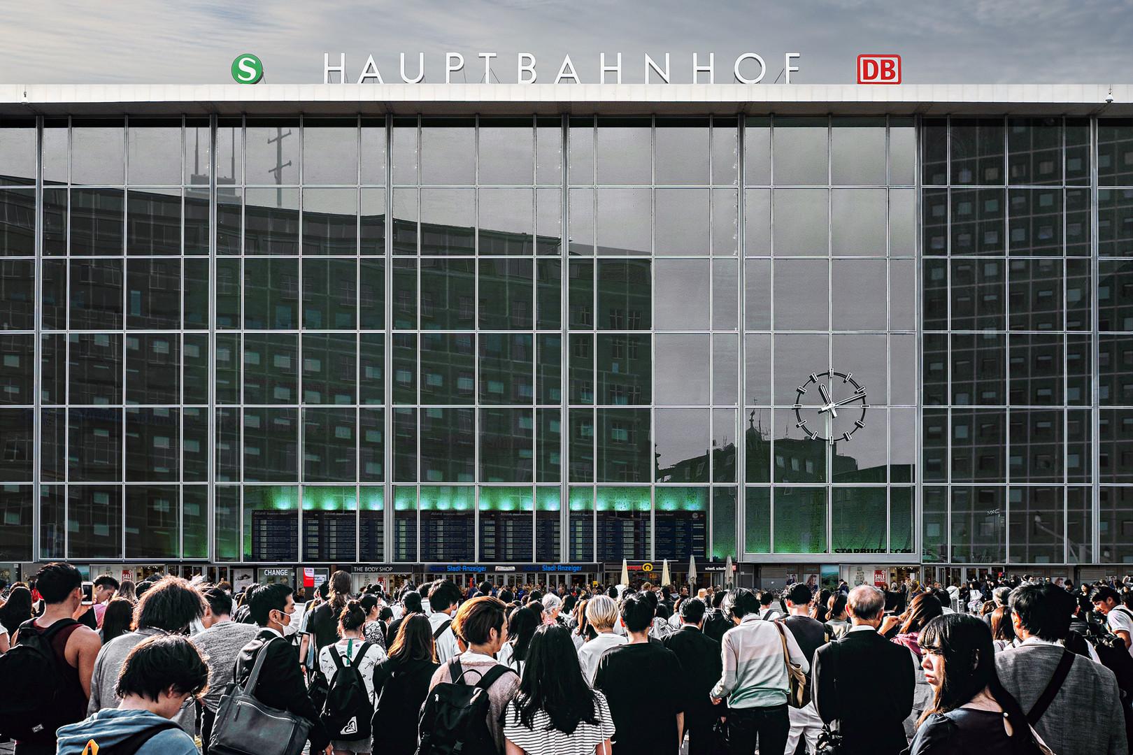 Cologne Main Station 11.11am