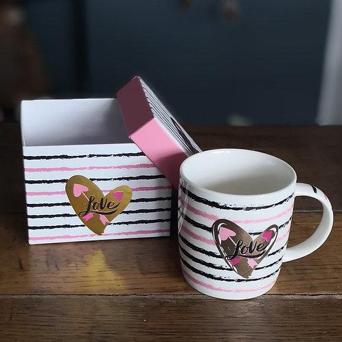 """Mug """"love"""" et sa boite"""