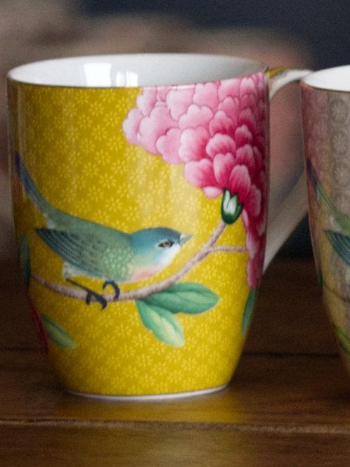 Mug blushing bird