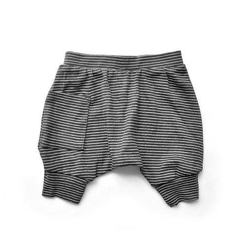 מכנס בלון קצר שחור פסים