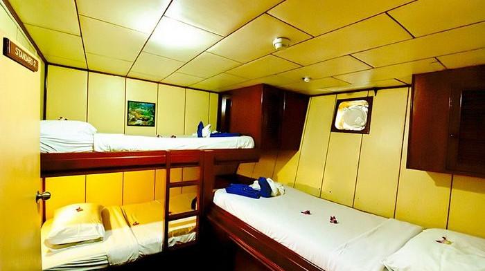 deep-andaman-queen-triple-cabin.jpg