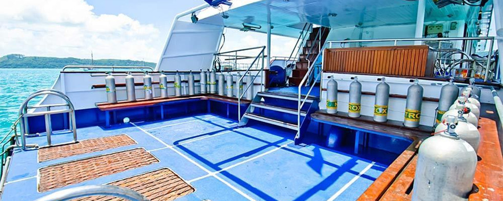 Dive-deck-onboard-Deep-Andaman-Queen.jpg
