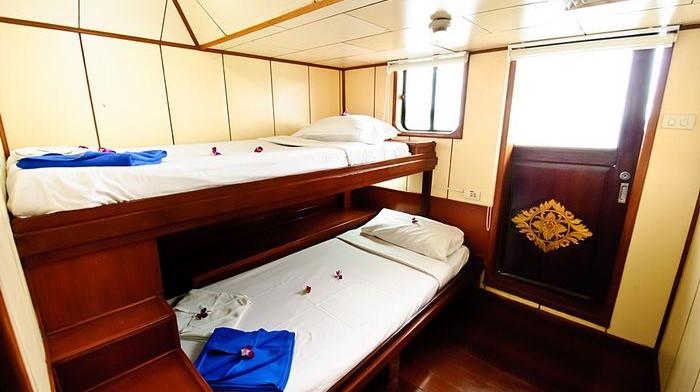 deep-andaman-queen-VIP-twin-cabin.jpg