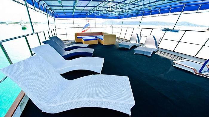 deep-andaman-queen-relax-deck.jpg