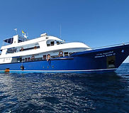 manta-queen-3-liveaboard_edited.jpg