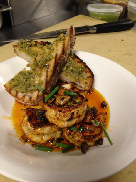 gambas ajillo- garlic shrimp, vinateria