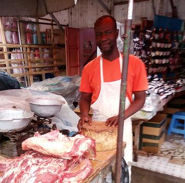 boucher-Abdoulaye_au_Grand_Marché_de_Lom