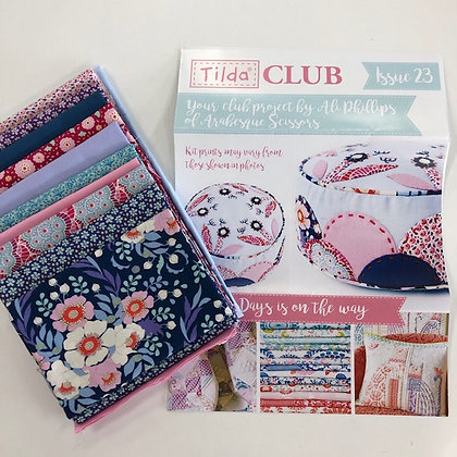 Tilda Club Floral Clamshell Pincushion Kit