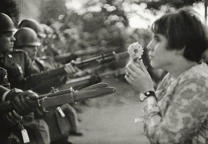 Photo by Marc Riboud, La fille à la fleur, Washington D.C., 1967