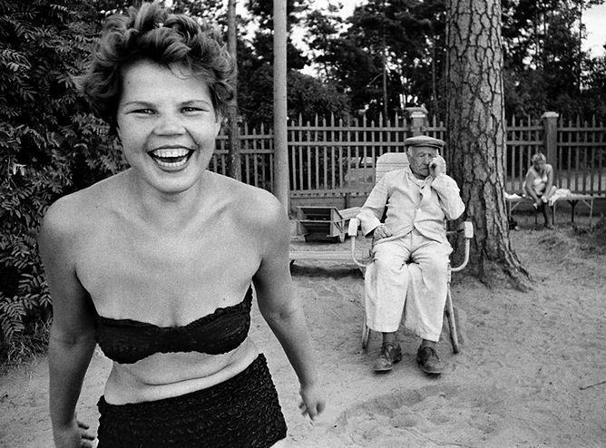 Photo by William Klein, Bikin, Moscow, 1959