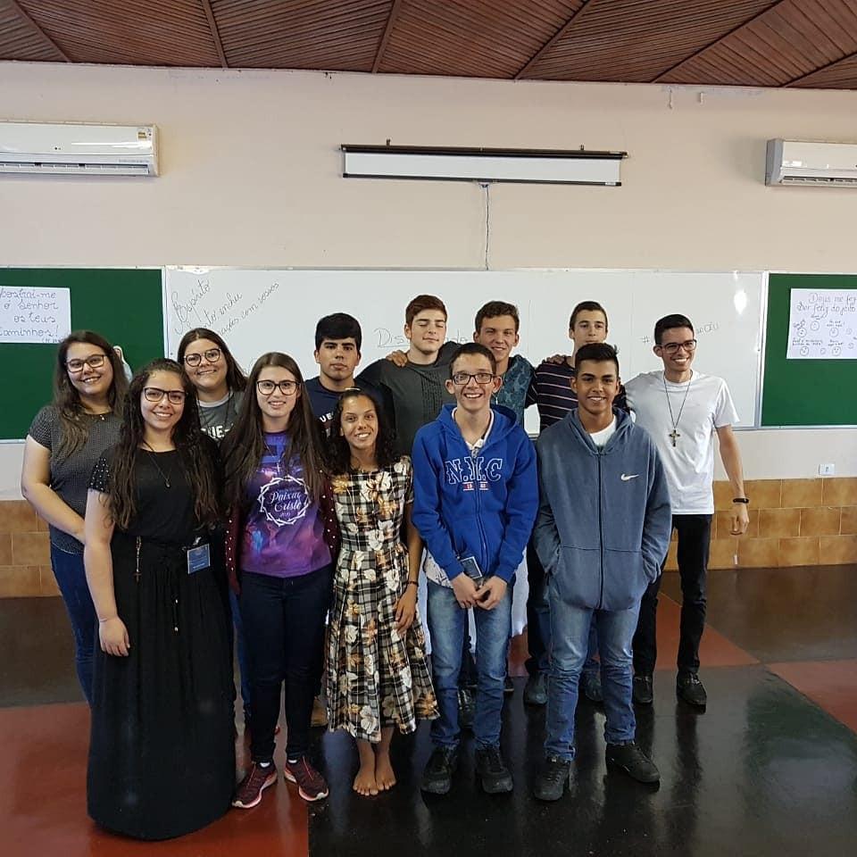 Jovens que participaram do 2º dia do encontro