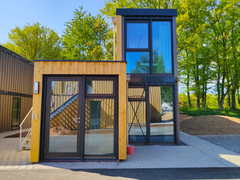 tiny-house-container-front-view-daylight