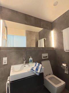 bathroom-sink-toilet-mirror-lights.jpg