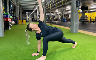 Gabi Yoga wix Kopie.heic