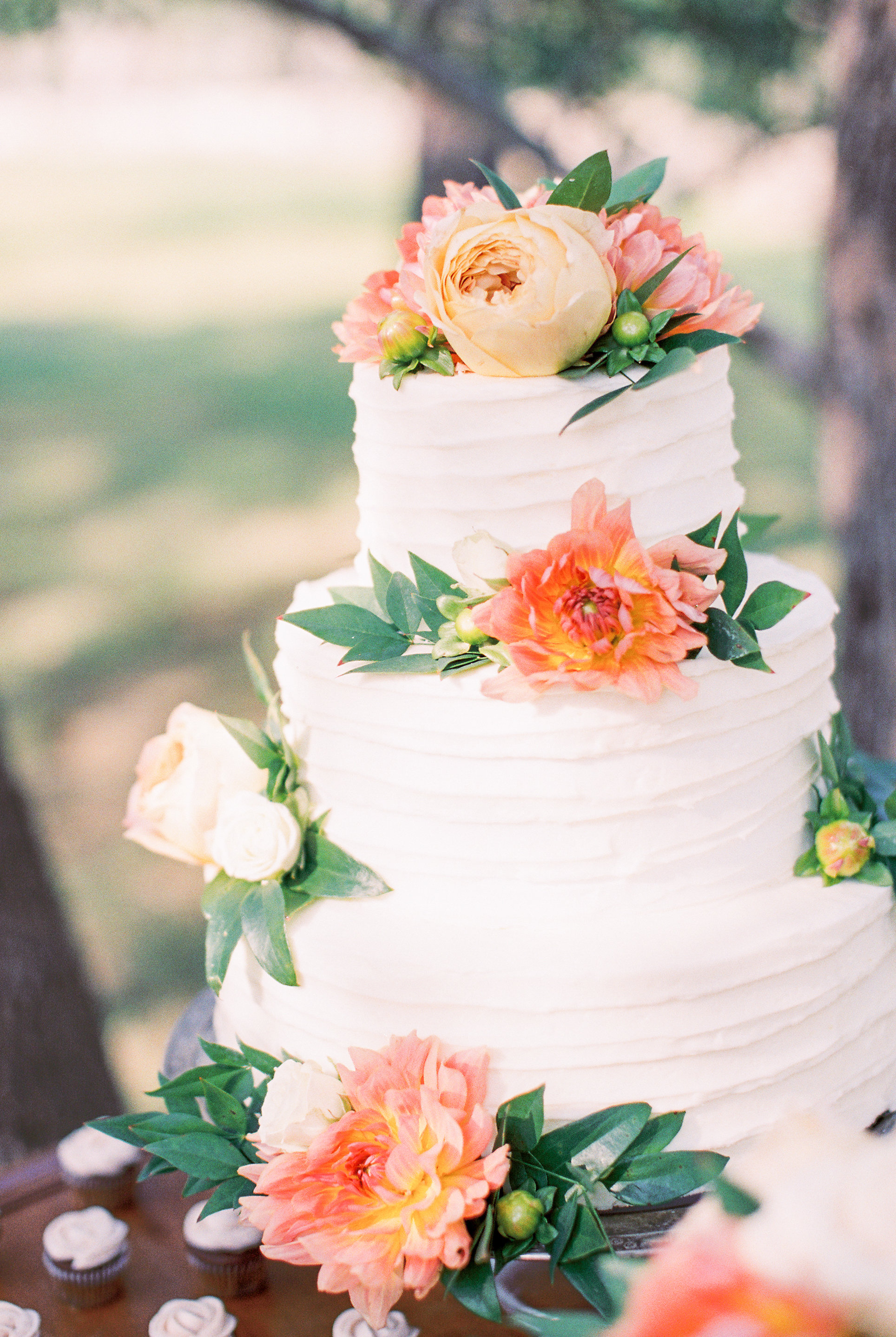 Fresh Flowers Small Wedding Cake