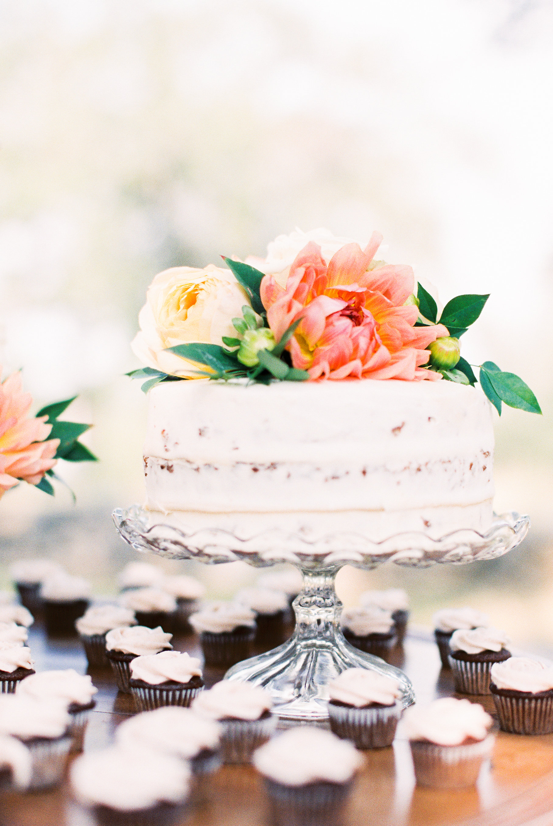 Fresh Flowers Large Wedding Cake