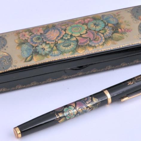 Орнаментальный пенал с ручкой
