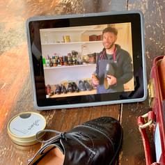 tablett and shoe shine