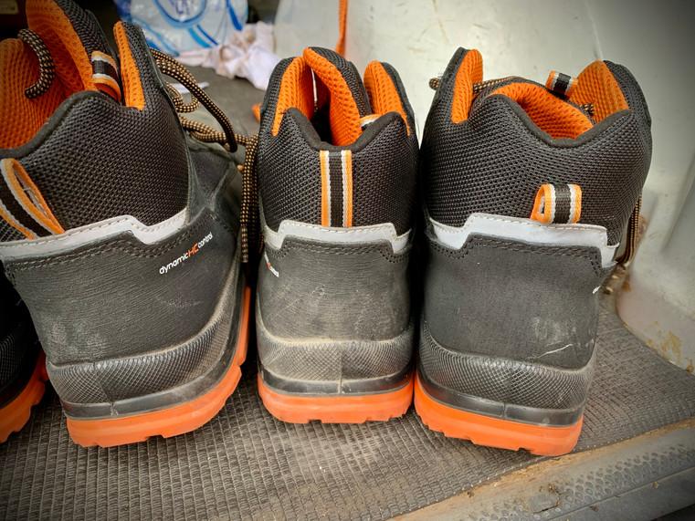 dirty heels