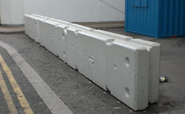 Temporary-verticle-concrete-barrier-CES.