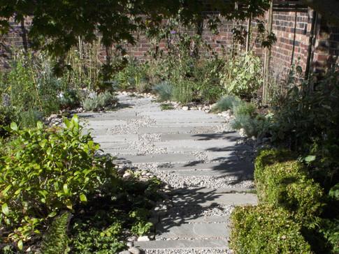 Across end of rear garden after