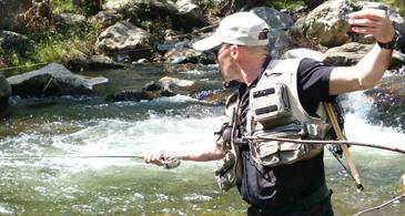 Stephane pêche les truites sauvages