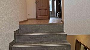 переход лестницы на второй этаж.jpg