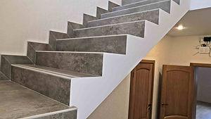 лестница из плитки на второй этаж.jpg