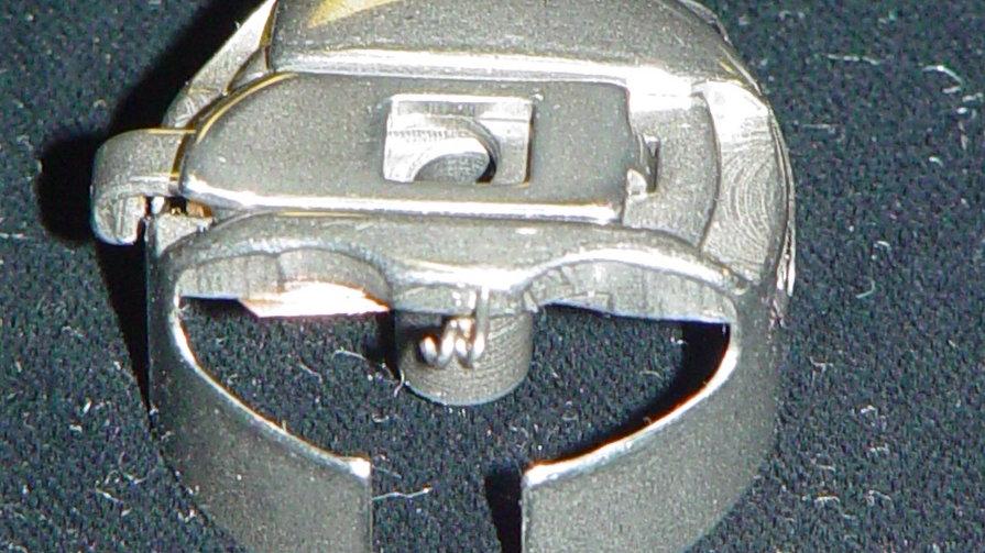 M Size Pigtail Bobbin Case