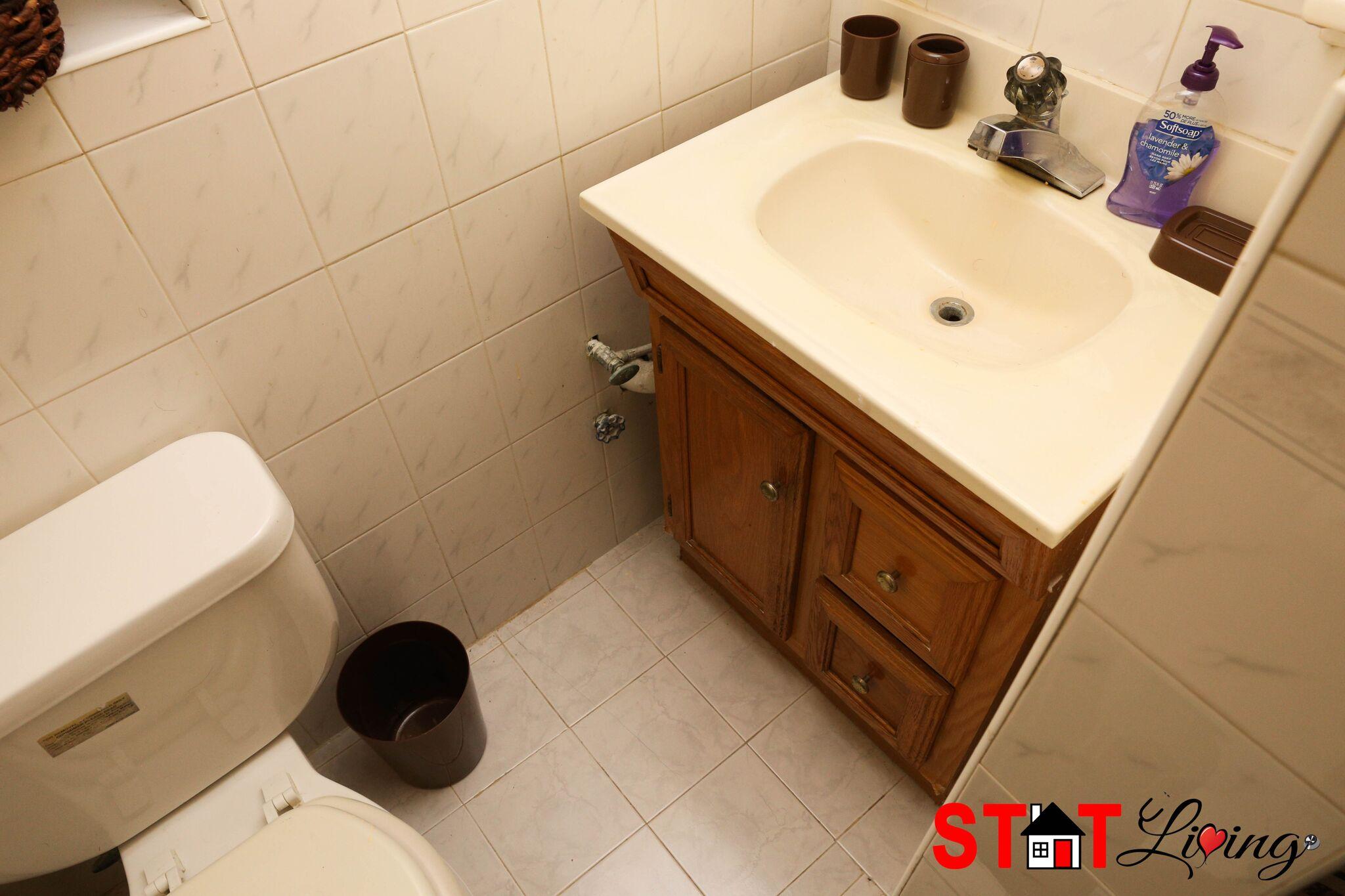 Xenon Bathroom
